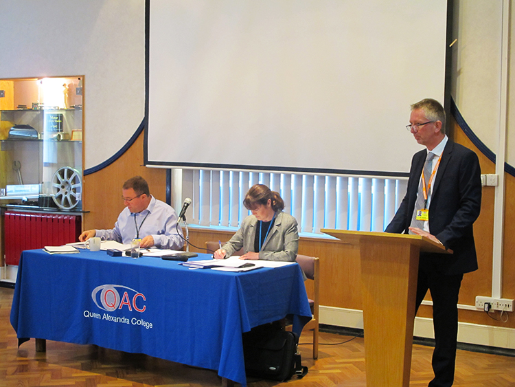 Vice Chair of Governors Ian Richards speaks to all in attendance at QAC's AGM